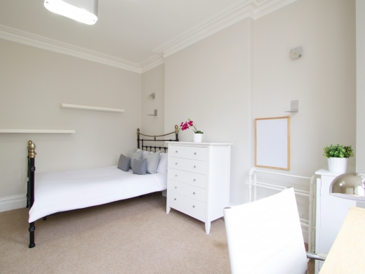 5 Trinity Avenue Nottingham Student House Bedroom