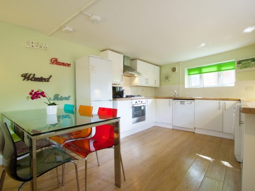 30 Rolleston Drive, Nottingham, Kitchen, Angle 1