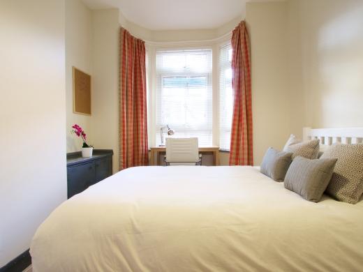 36 Lenton Boulevard, Nottingham, Student House, Bedroom, Angle 1