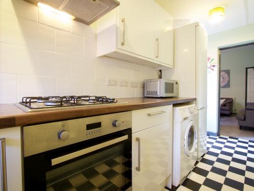 36 Lenton Boulevard, Nottingham, Student House, Kitchen, Angle 2