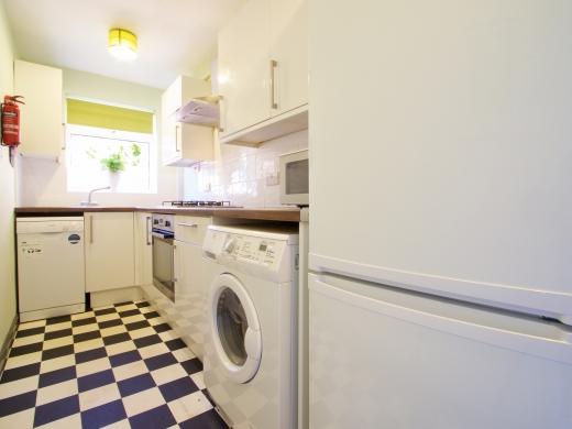 36 Lenton Boulevard, Nottingham, Student House, Kitchen, Angle 1