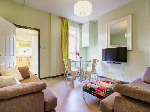 36 Lenton Boulevard, Nottingham, Student House, Living Room Angle 1