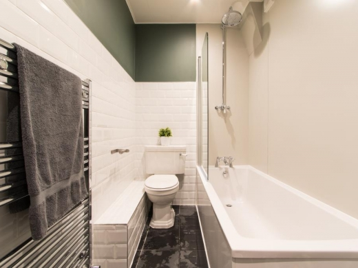 38 Woodcroft Road Liverpool Student House Bathroom