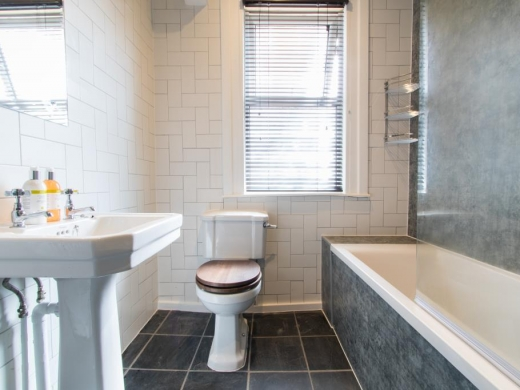 3 Gresford Avenue Liverpool Student House Bathroom