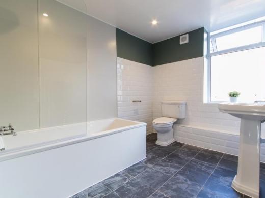 30 Barrington Road Liverpool Student House Bathroom