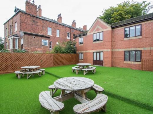 Flat 1, Victoria Court Mews Leeds Student House Exterior Shot