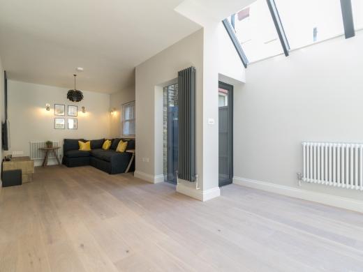 64 Julian Avenue 6 Bedroom London Student House Living Room