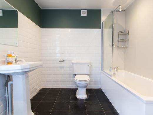 29 Langdale Road Liverpool Student House Bathroom