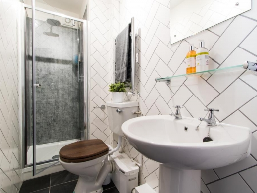 43 Salisbury Road Plymouth Student House Bathroom En Suite
