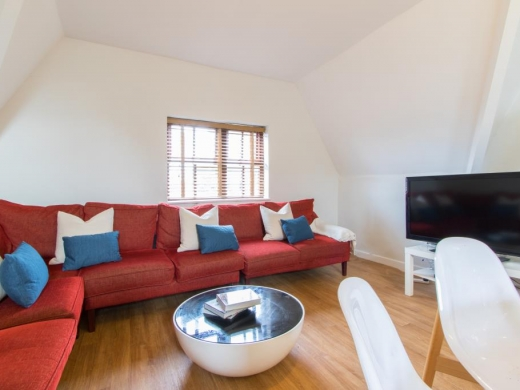 Flat 4,17 Ladybarn Road Student House Lounge