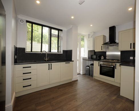 1 Iddesleigh Road 6 Bedroom Exeter Student House Kitchen 2
