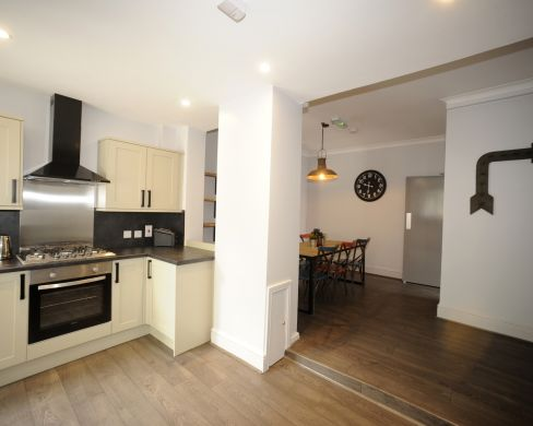 1 Iddesleigh Road 6 Bedroom Exeter Student House Kitchen 1