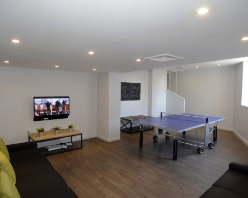1 Iddesleigh Road 6 Bedroom Exeter Student House Ping Pong Table 1