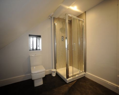 1 Iddesleigh Road 6 Bedroom Exeter Student House Bathroom 1