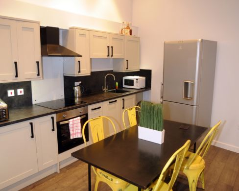 1 St Clements Lane 4 Bedroom Exeter St Davids Student House Kitchen