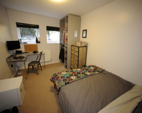 1 St Clements Lane 4 Bedroom Exeter St Davids Student House Bedroom 2