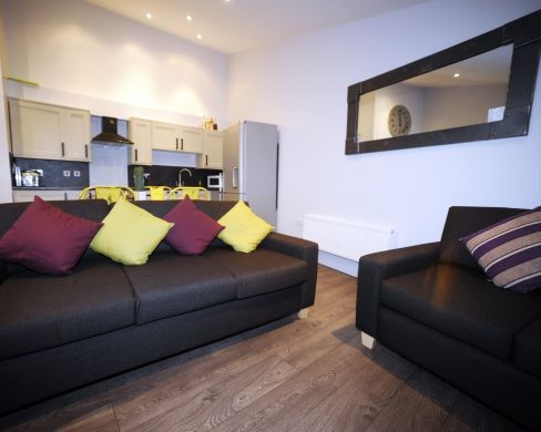 1 St Clements Lane 4 Bedroom Exeter St Davids Student House Living Room