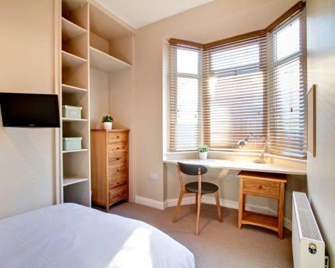 21 Mistletoe Street Durham Student House Bedroom 1
