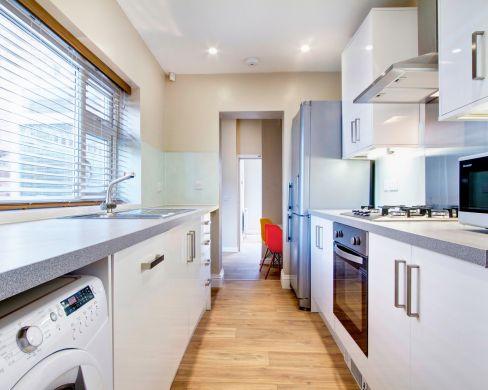 21 Mistletoe Street Durham Student House Kitchen 2