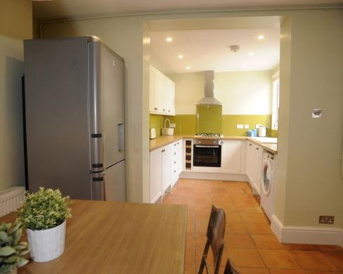 11 Old Tiverton Road 6 Bedroom Exeter Student House Kitchen 2