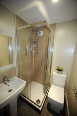 13 Mowbray Avenue 5 Bedroom Exeter Student House Bathroom 1