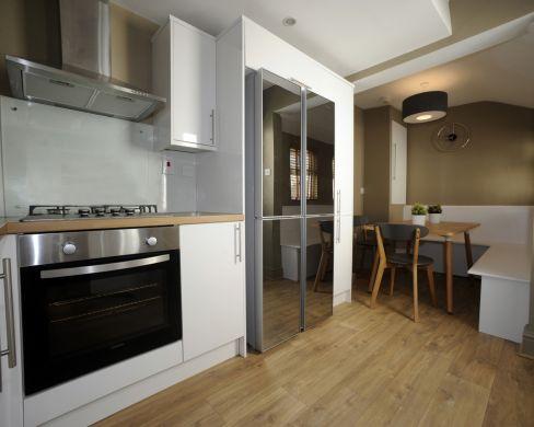 16 Victoria Street 5 Bedroom Exeter Student House Kitchen