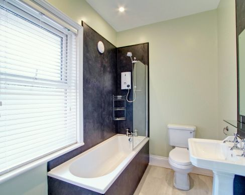 25 Crossgate Path 7 Bedroom Durham Student House Bathroom 2