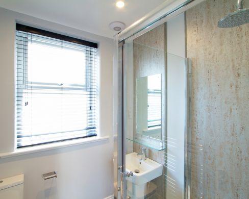 1 May Street 6 Bedroom Durham Student House Bathroom 3