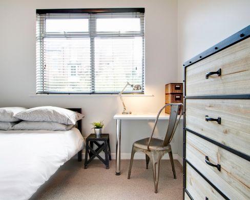 1 May Street 6 Bedroom Durham Student House Bedroom 6