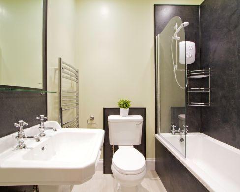 32 May Street 3 Bedroom Durham Student House Bathroom