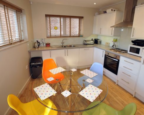 2 St Clements Lane 4 Bedroom Exeter Student House Kitchen and Dining Room
