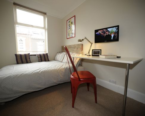 23 Victoria Street 6 Bedroom Exeter Student House Bedroom 2
