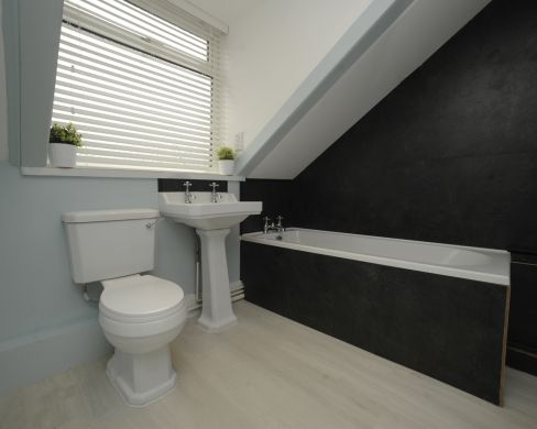 63 Victoria Street 5 Bedroom Exeter Student House bathroom 2