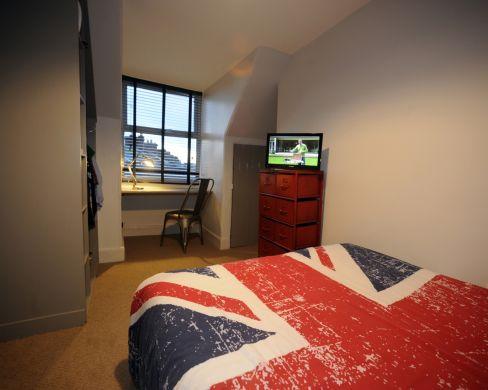 83 Victoria Street 4 Bedroom Exeter Student House bedroom 2