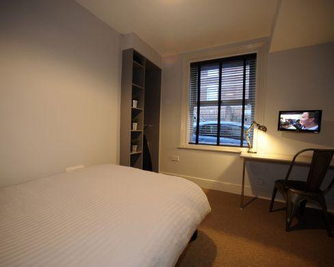 83 Victoria Street 4 Bedroom Exeter Student House bedroom 1