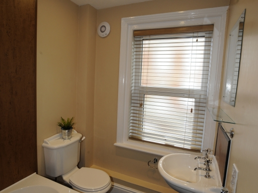 84 Victoria Street 4 Bedroom Exeter Student House Water Closet