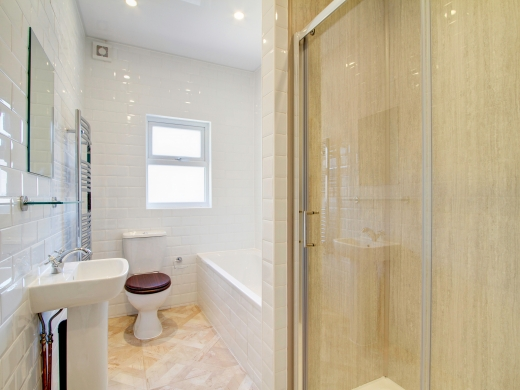271 Smithdown Road 7 Bedroom Liverpool Student House Bathroom 2