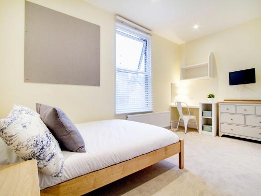 26 Waterloo Road 10 Bedroom Nottingham Student House Bedroom 8