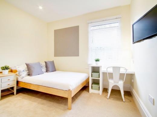 26 Waterloo Road 10 Bedroom Nottingham Student House Bedroom 4