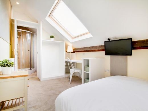 26 Waterloo Road 10 Bedroom Nottingham Student House Bedroom 2