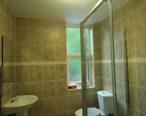 41 Douglas Road 7 Bedroom Nottingham Student House bathroom 1