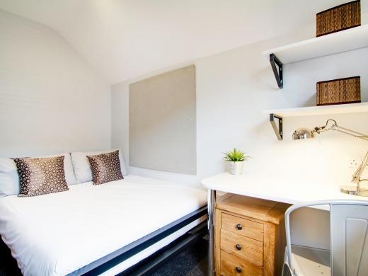 76 Kimbolton Avenue 6 Bedroom Nottingham Student House bedroom 4