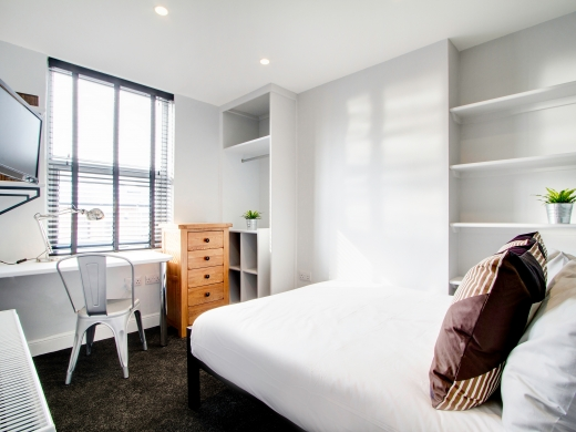 76 Kimbolton Avenue 6 Bedroom Nottingham Student House bedroom 3