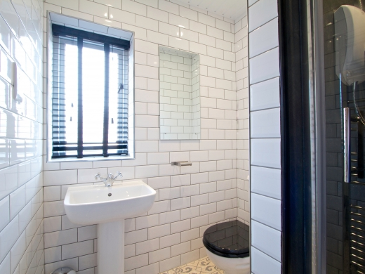 76 Kimbolton Avenue 6 Bedroom Nottingham Student House bathroom 2