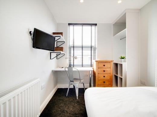 76 Kimbolton Avenue 6 Bedroom Nottingham Student House bedroom 8