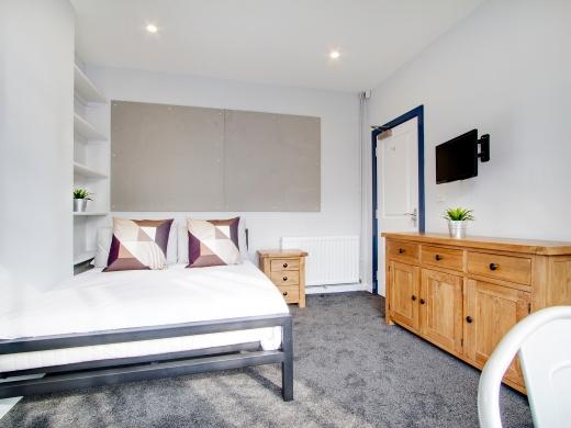 76 Kimbolton Avenue 6 Bedroom Nottingham Student House bedroom 1