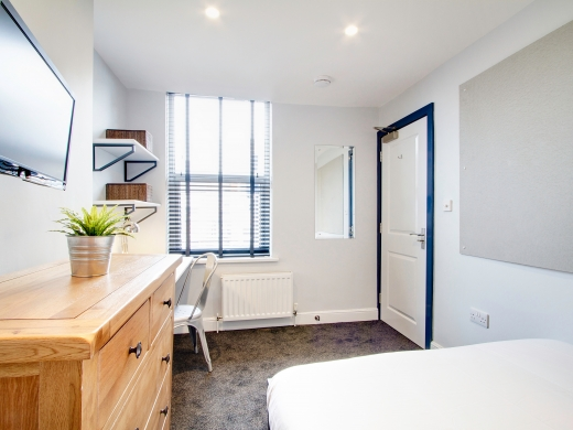 76 Kimbolton Avenue 6 Bedroom Nottingham Student House bedroom 6