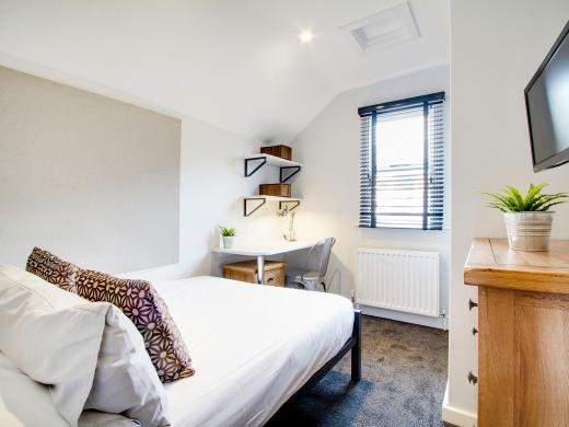 76 Kimbolton Avenue 6 Bedroom Nottingham Student House bedroom 9