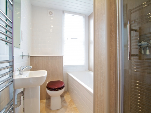 86 Kimbolton Avenue 6 Bedroom Nottingham Student House bathroom 2