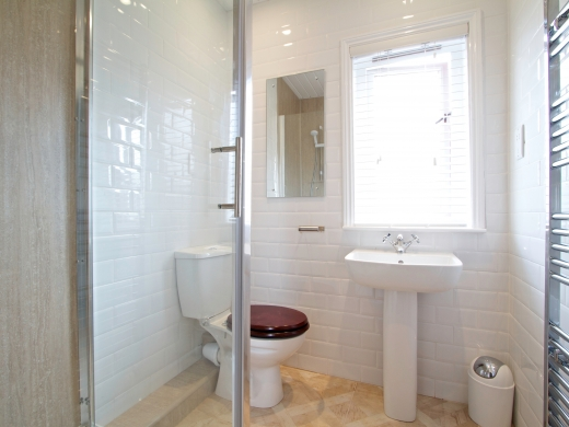 86 Kimbolton Avenue 6 Bedroom Nottingham Student House bathroom 1